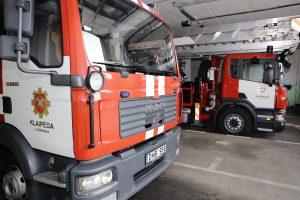 Dėl gaisro rūsyje evakuota Vilniaus gimnazija