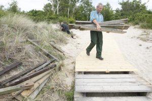 Užsimojo tobulinti paplūdimių takus