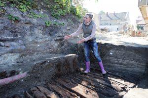 Uostamiesčio archeologus nudžiugino atradimai istoriniame silkių sandėlyje