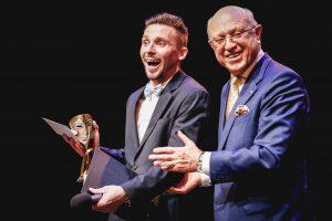 Teatro dieną – aplodismentai be spektaklio