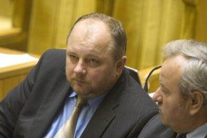 Girto vairavusio buvusio Seimo nario G. Mikolaičio byla perduota teismui