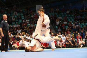 Europos čempionatą lietuviai uždarė įspūdingu E. Gužausko nokautu