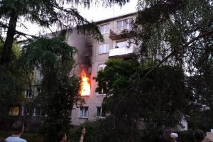 Neries krantinėje liepsnojo butas, žuvo moteris (vaizdo įrašas)