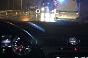 Netoli Kauno hidroelektrinės – avarija, keturi žmonės išvežti į Klinikas