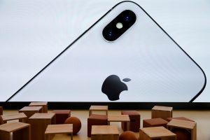 """""""Apple"""": mikroschemų defektų paveikti yra visi """"iPhone"""", """"iPad"""" ir """"Mac"""" prietaisai"""