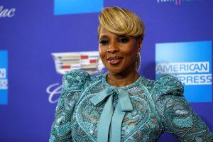 Dainininkė Mary J. Blige bus pagerbta žvaigžde Holivudo šlovės alėjoje