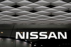 """""""Nissan"""" pripažįsta falsifikavusi Japonijoje pagamintų automobilių emisijų duomenis"""