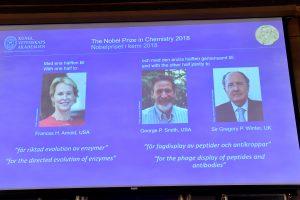 Nobelio chemijos premija atiteko dviem amerikiečiams ir britui