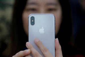 """""""Apple"""" savo prabangius išmaniuosius telefonus gamins Indijoje"""