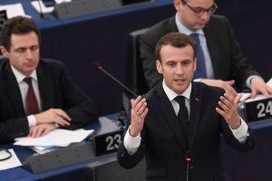 Iš Prancūzijos prezidento – įspėjimas Europai