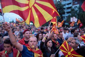 Atėnai ir Skopjė susitarė dėl naujo Makedonijos pavadinimo