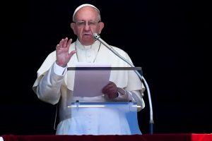 Vatikanas pirmąkart paskyrė pasaulietį atstovą ryšiams