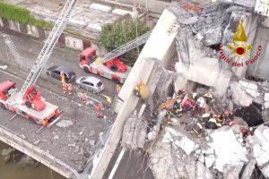 Po viaduko griūties Genujoje skelbia 12 mėnesių nepaprastąją padėtį