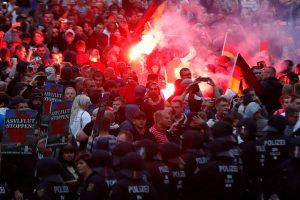 Vokietijoje per kraštutinių dešiniųjų protestą nukentėjo mažiausiai 20 žmonių