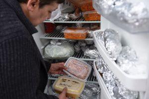 Kokio maisto negalima laikyti šaldytuve?