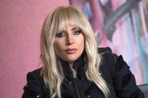 Lady Gaga dėl sveikatos atidėjo koncertus Europoje