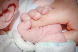 Pradėjo tyrimą dėl padažnėjusio kūdikių apsigimimo