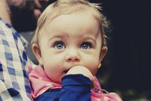 Ilga kelionė automobiliu su kūdikiu – kaip tinkamai pasiruošti?