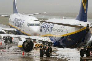 """Nepaisant krizės dėl skrydžių atšaukimo, """"Ryanair"""" pelnas išaugo"""