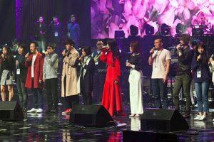Šiaurės Korėjos lyderis dalyvavo Pietų Korėjos atlikėjų koncerte