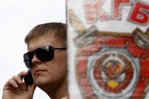 Seime užvirė ginčas dėl siūlymo viešinti prisipažinusius KGB bendradarbius
