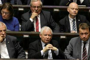 Lenkijos parlamentas ėmėsi koreguoti prieštaringai vertinamas teismų reformas