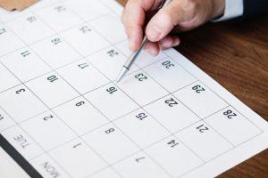 Darbdaviams nepatiks – siūlo nukelti tarp švenčių įsiterpiančius darbadienius