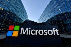 """""""Microsoft"""" įsigis interneto platformą"""