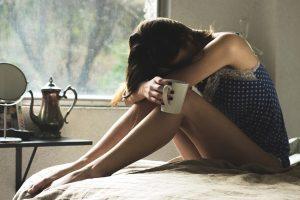 Kodėl alkoholis moterims kenkia labiau nei vyrams?