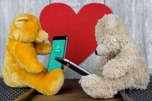 Kaip nelikti be ryšio: penki patarimai, padėsiantys taupyti telefono bateriją