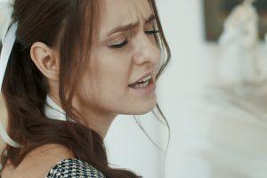 """I. Zasimauskaitė kviečia gerbėjus tapti dainos """"Apkabink"""" dalimi"""