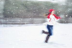 Kaip sportuoti lauke ir neperšalti?
