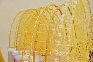 Kad negriūtų tikri tiltai, siūlo tobulėti juos statant iš makaronų