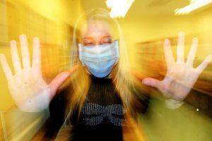 Gripas įgauna pagreitį: per savaitę į ligonines paguldyti 77 asmenys