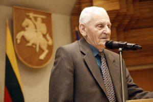 Mirė rašytojas V. Kalvaitis