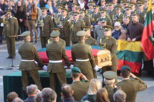 A. Ramanausko-Vanago atminimą valstybinėse laidotuvėse pagerbė 30 šalių diplomatai