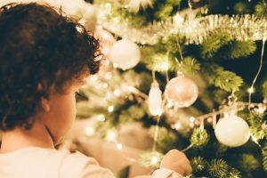 Penki patarimai, kaip saugiai elgtis su Kalėdų dekoracijomis