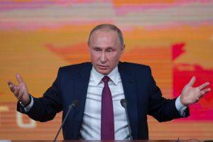 """JAV Senato demokratai ataskaitoje perspėja apie """"kenksmingą"""" V. Putino grėsmę"""