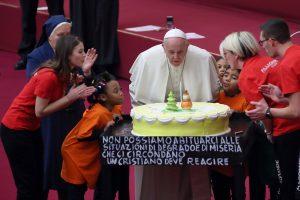 Popiežiui Pranciškui – 82 metai