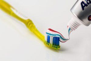 Ar tinkamai rūpinatės burnos higiena?