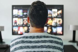 Tyrimas: trečdaliu padaugėjo turinčiųjų išmanųjį televizorių
