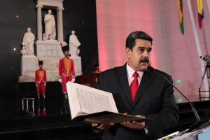 """Venesuelos prezidentas įspėjo kariuomenę apie D. Trumpo """"įsiveržimo"""" planus"""
