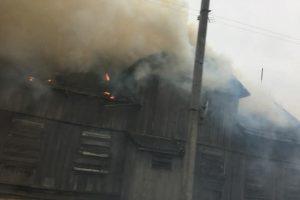 Marijampolėje sudegė namas: sulaikyti neblaivūs įtariamieji