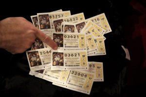 """14 kartų loterijose laimėjęs vyras teigia """"nulaužęs"""" sistemą: patarė, ką daryti"""
