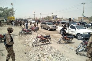 Mirtininko sprogdinimas Pakistane: prie rinkimų apylinkės žuvo mažiausiai 30 žmonės