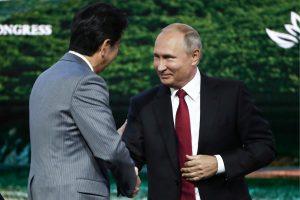 V. Putinas: Rusija ir Japonija gali iki metų galo sudaryti taikos susitarimą