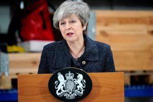 """Th. May: jei parlamentas atmes """"Brexit"""" susitarimą, galime niekada nepalikti ES"""