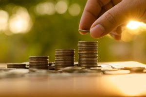 Auga darbo našumas, Lietuvos darbuotojai sukuria daugiau pridėtinės vertės
