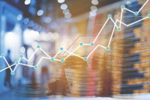 Trejų metų scenarijus: ekonomikos augimas lėtės, raginama didinti rezervą sunkmečiui
