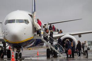 Lietuva netenka gyventojų: žmonės ieško oresnio gyvenimo svetur